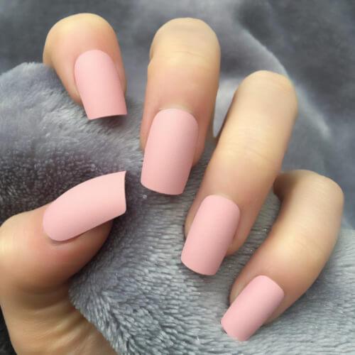 Màu hồng đất pastel đơn sắc nhẹ nhàng