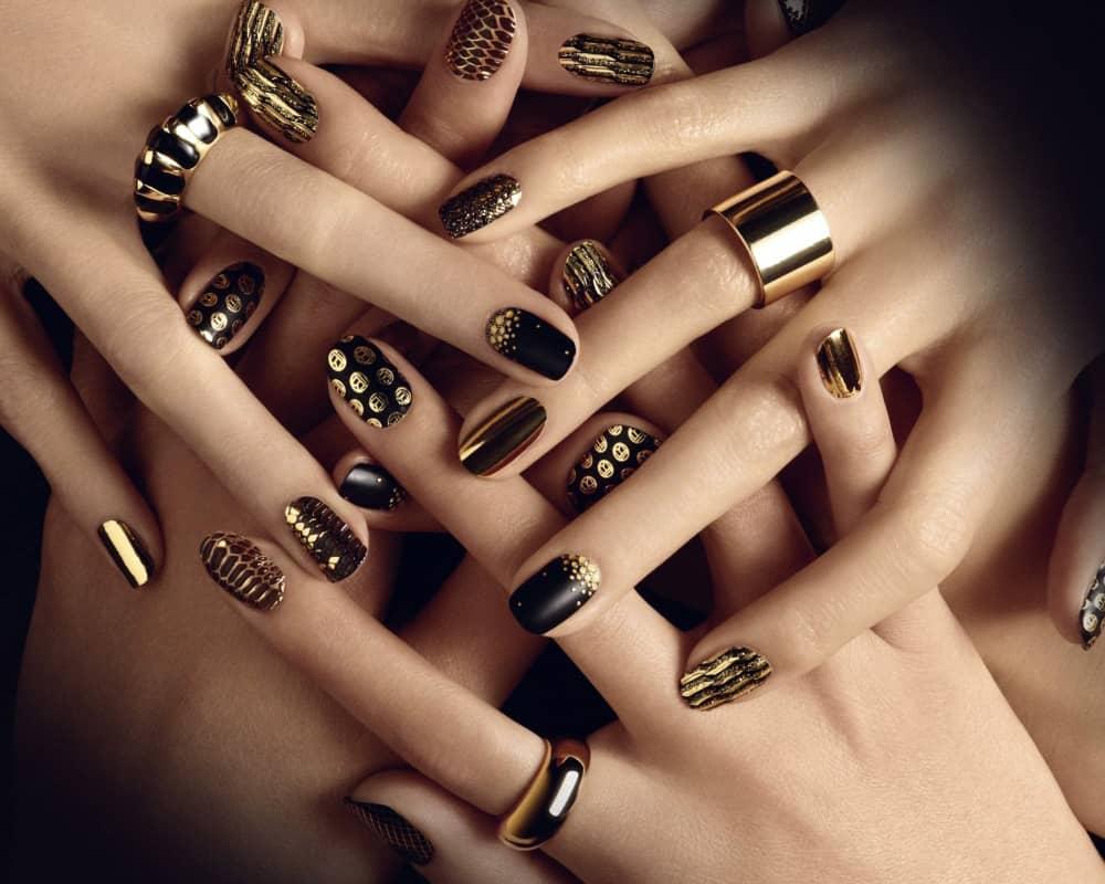 Một bộ nail giúp bạn có thể tự tin hơn đấy cô gái à!