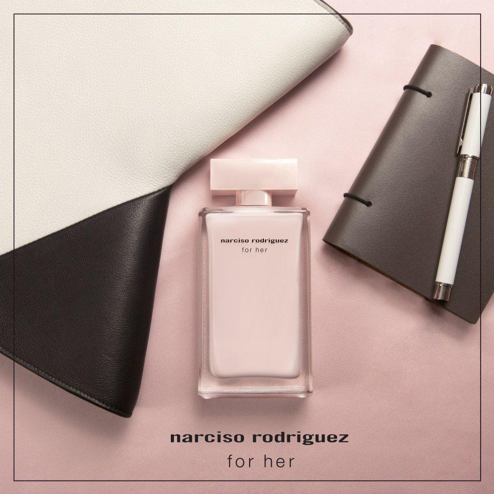 Nước hoa Narciso hồng nhạt