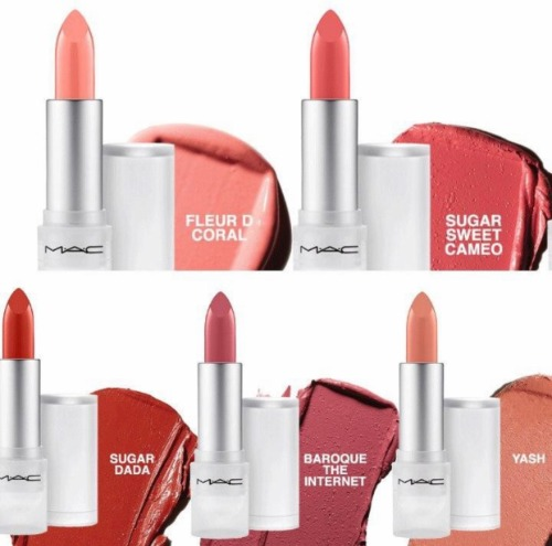 Bảng màu của bộ sưu tập MAC Loud and Clear gồm các tông màu thiên theo lối makeup Tây Âu, đồng thời chất son cũng không đồng bộ hoàn toàn.