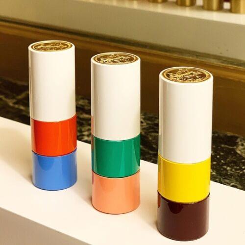 3 cây son Hermès phiên bản giới hạn với thiết kế màu khác biệt.