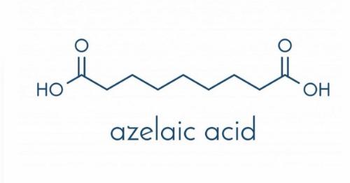 Thành phần chính có trong kem trị thâm mụn nhà The Ordinary là Azelaic Acid - một axit làm trắng, giảm thâm hiệu quả.