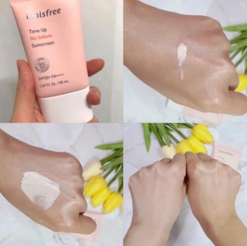 Kem chống nắng Innisfree màu hồng giúp nâng tông da tự nhiên.