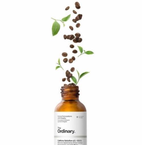 Thành phần chính gồm hai chất chống oxy hoá hiệu quả là caffeine và EGCG.