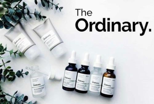 Thương hiệu The Ordinary gần như đã trở thành hãng mỹ dược phẩm quốc dân khi người người nhà nhà đều sử dụng.