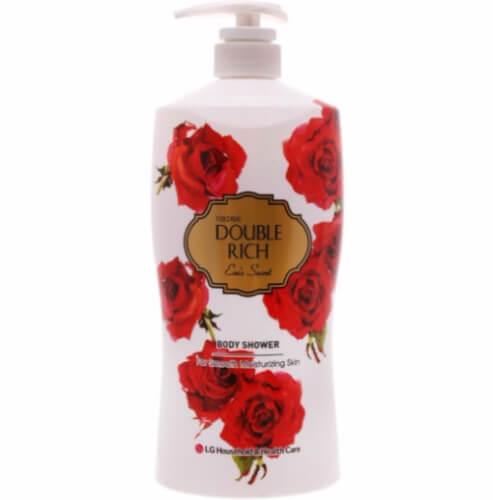 Sữa tắm Double Rich hoa hồng cấp ẩm đồng thời lưu lại trên da mùi hương nồng nàn, ngây ngất.