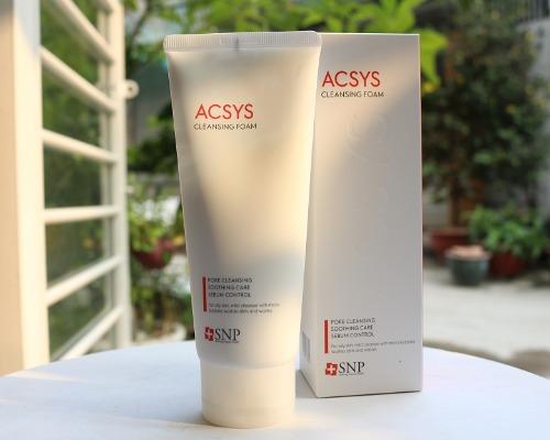 Dù tạo bọt nhưng sữa rửa mặt Acsys không hề khiến da bị khô sau khi rửa mặt.