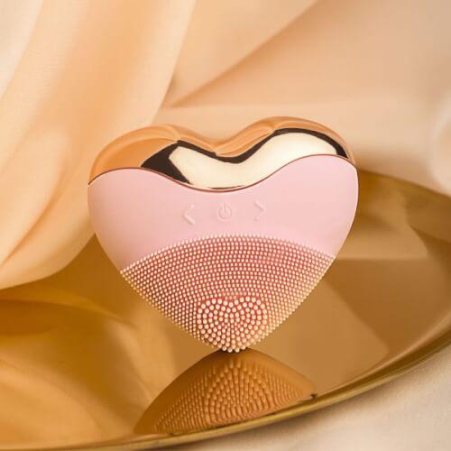 """Máy rửa mặt Laco Luxury màu hồng hết sức xinh xắn, """"đốn tim""""."""