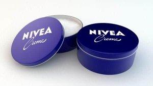 Nivia hộp thiếc xanh dương, thiết kế đơn giản nhưng sang trọng, bắt mắt