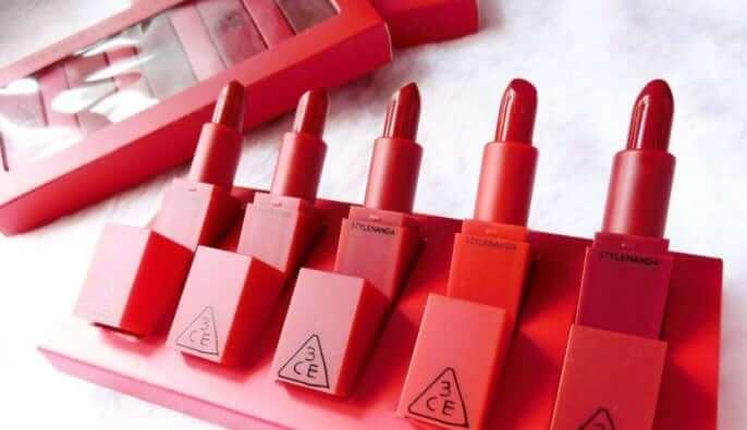 Son môi 3CE Red Recipe có thiết kế đơn giản nhưng vẫn cuốn hút