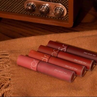 Son kem Romand màu 21 là màu son mới nhất của dòng son Zero Velvet Tint.
