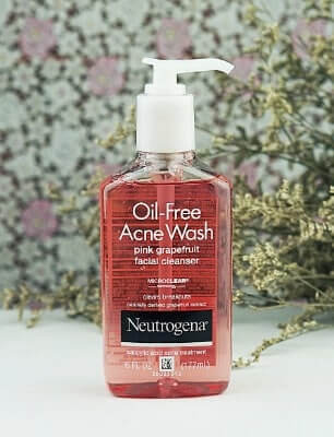Neutrogena Oil-Free Acne Wash Pink Grapefruit Cream Cleanser.