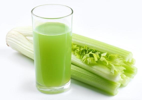 Nước ép cần tây rất tốt cho dạ dày và đường ruột