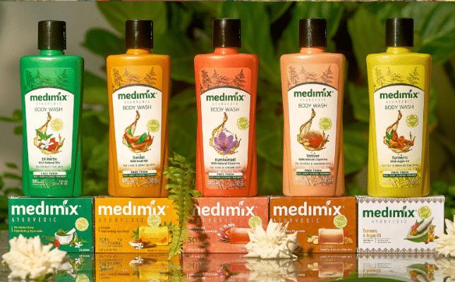 Bộ 5 sữa tắm nhà Medimix.