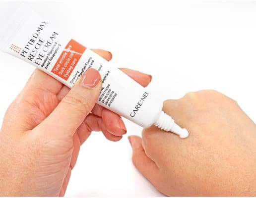 Kem dưỡng mắt chứa Peptide của hãng.