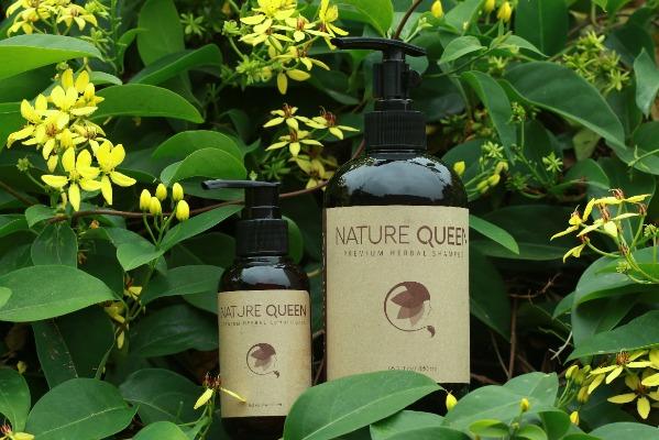 Bao bì dầu gội Nature Queen thân thiện với môi trường.